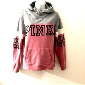 PINK VICTORIA SECRET HOODIE.SIZE SMALL